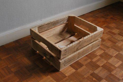 petite caisse en bois de palettes revalorisées boby&co'