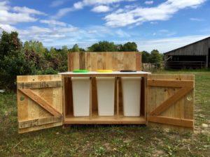 Table de tri pour cantine scolaire primaire, bois de palettes revalorisées